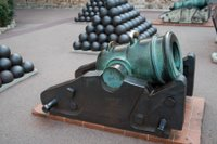 Stubby cannon in Monaco