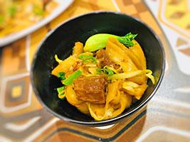 牛肉炒刀削面, braised beef stir-fry hand cut noodles